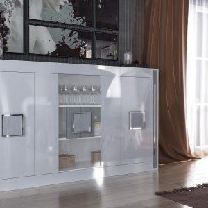 aparador con estantes