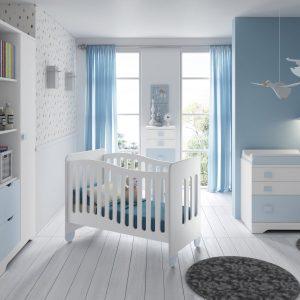 habitación infantil con cuna