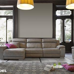 sofá marón
